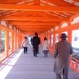 朱塗りの回廊